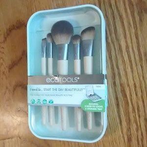 NIB 5 Piece Brush Set + Vanity Tray💄